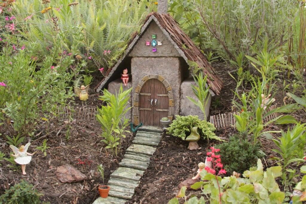 Summer Camp -- Fairy House -A